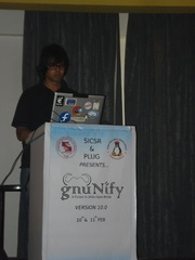 Suchakra Sharma presenting on Qt on Android